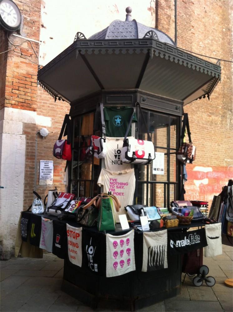 Shop in Campo Santo Stefano