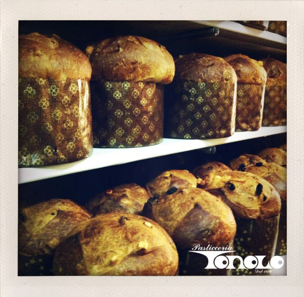 The panettone by Tonolo. Photo credit: Tonolo FB page